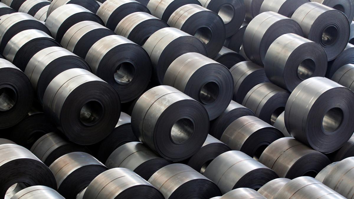 Secretaría de Economía informó que defenderá a los fabricantes nacionales de acero ante arancel impuesto por Estados Unidos