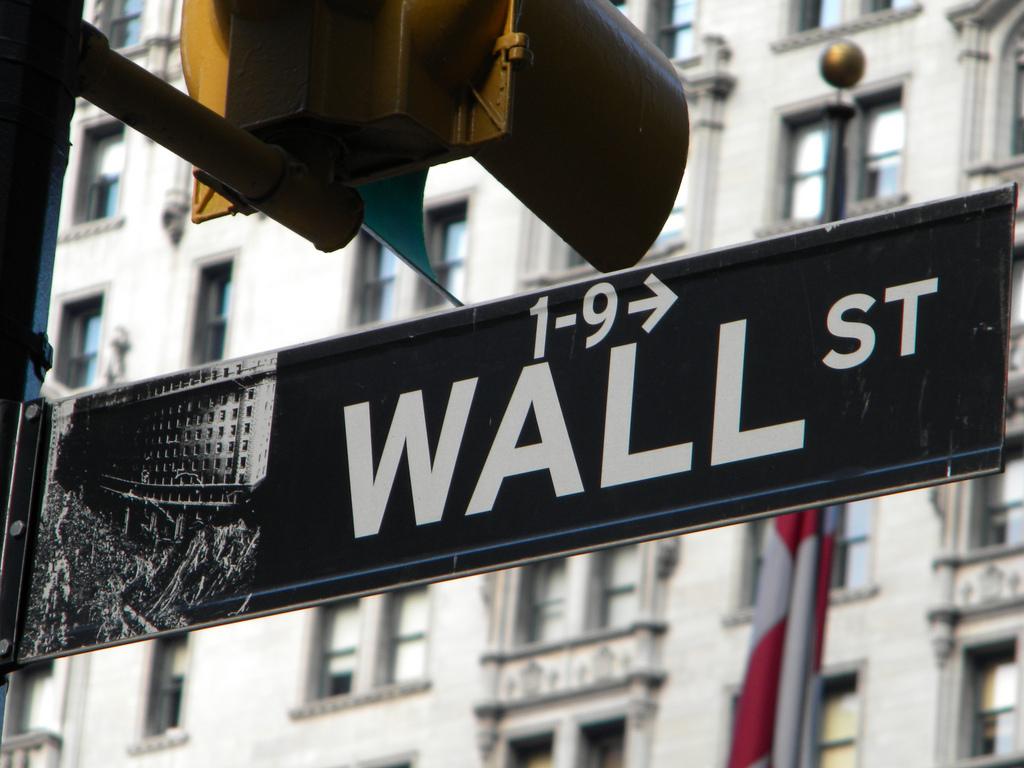 Optimismo en los mercados financieros previo a feriado en Estados Unidos