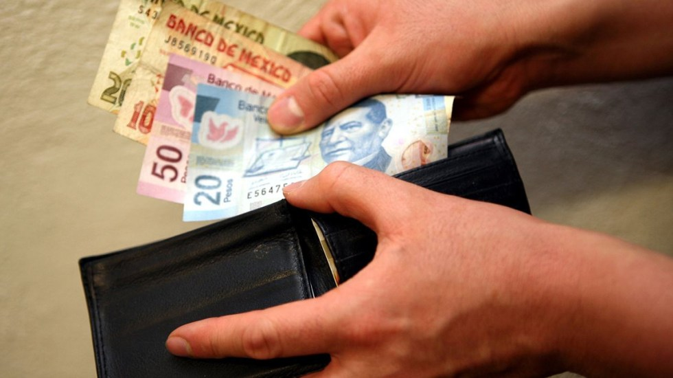 Reducciones esperadas en precios de energéticos y servicios relacionados con el turismo contienen la inflación