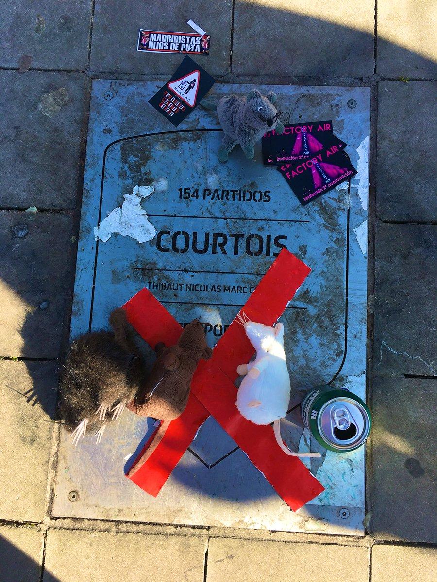 Vandalizaron la placa de Courtois en el Metropolitano