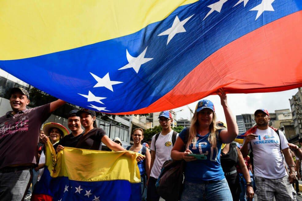 Pompeo aborda en Rusia crisis en Venezuela y cuestión nuclear de Irán