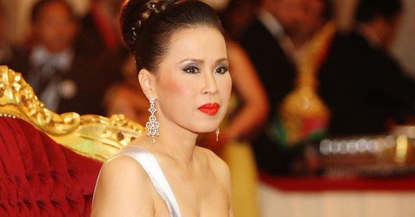 Postulan a hermana del rey de Tailandia como candidata a primera ministra