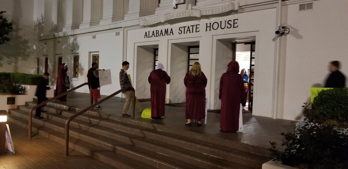 El Senado de Alabama prohibió el aborto incluso en casos de violación o incesto