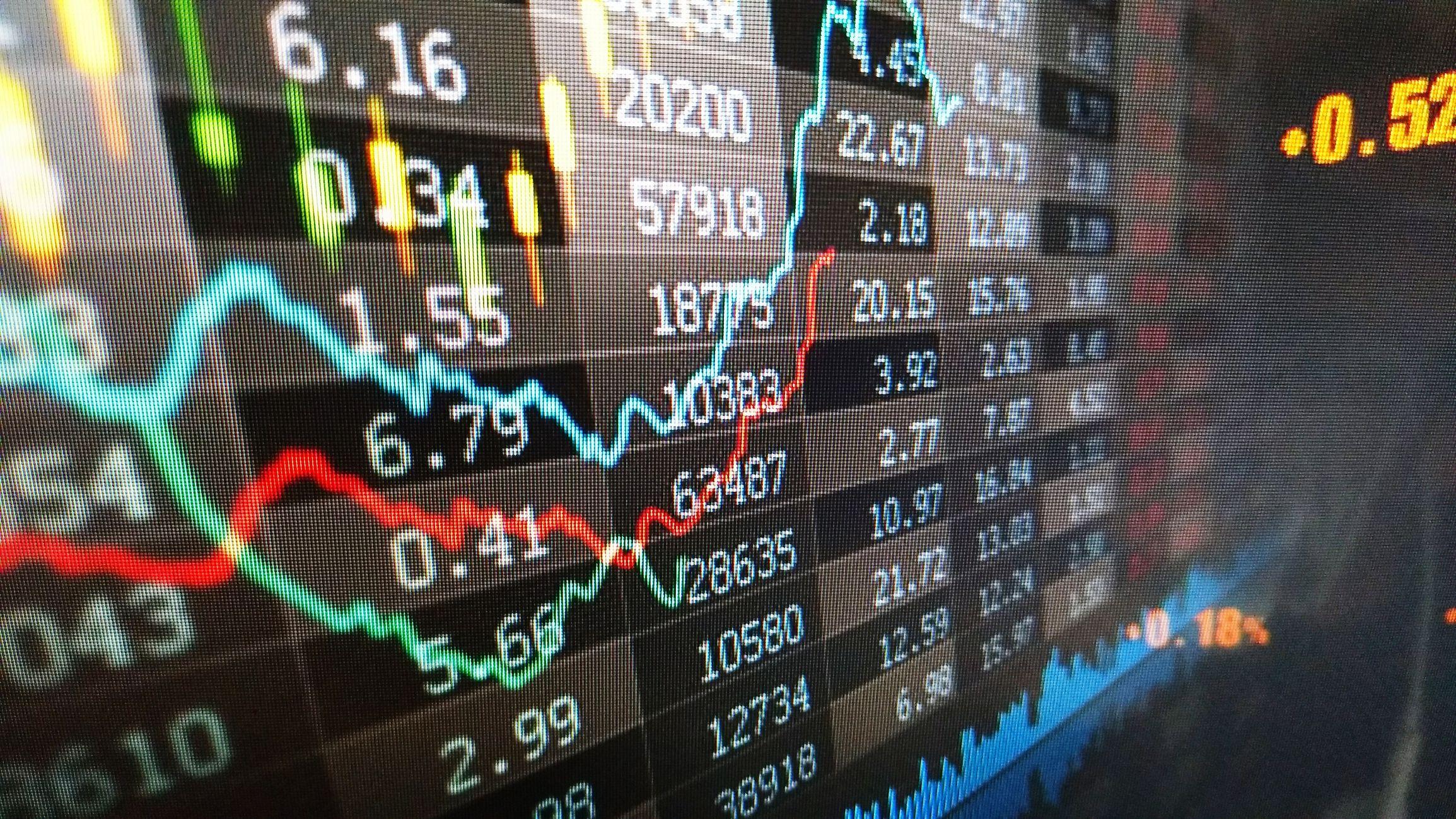 Regresa la curva invertida y los temores de recesión