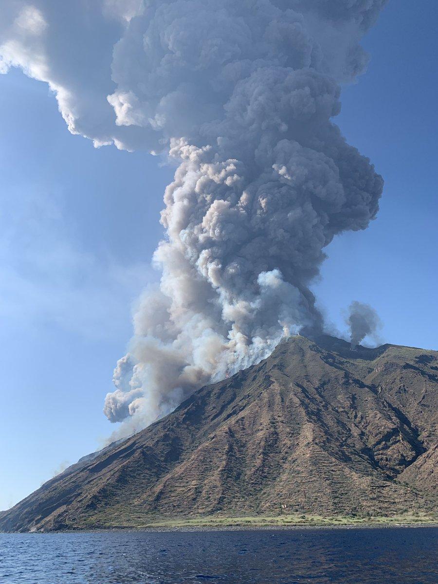 Explosión en el volcán Stromboli en Italia